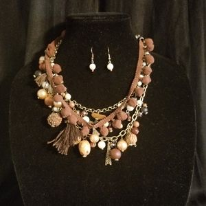 Assorted Glass & Pearl Beads Layered Neckl…